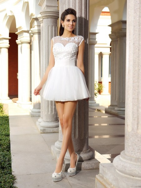 A-Line/Princess White Satin Short/Mini Homecoming Dresses with Beading
