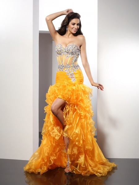 Sheath/Column Yellow Organza Asymmetrical Evening Dresses with Beading