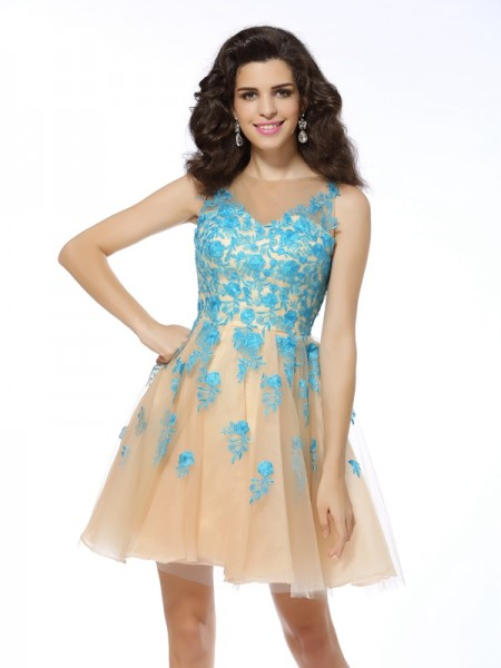 A-Line/Princess Champagne Tulle Short/Mini Homecoming Dresses with Applique