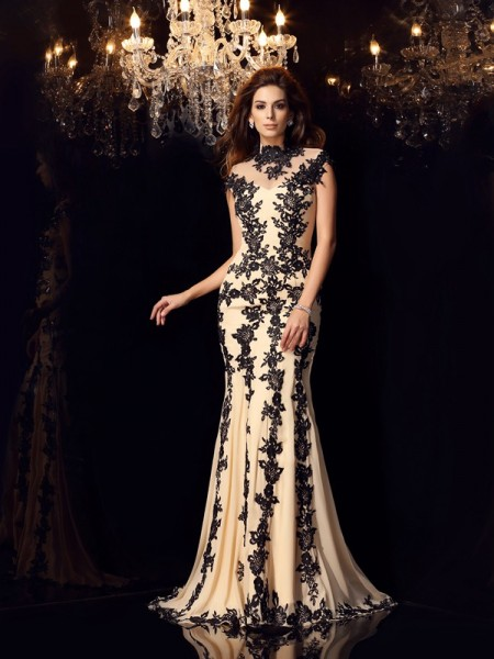 Trumpet/Mermaid Champagne Chiffon Sweep/Brush Train Dresses with Applique