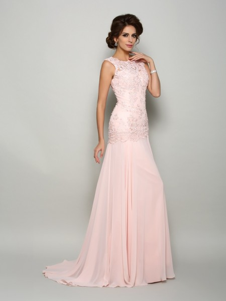 Trumpet/Mermaid Pearl Pink Chiffon Sweep/Brush Train Mother Of The Bride Dresses with Beading