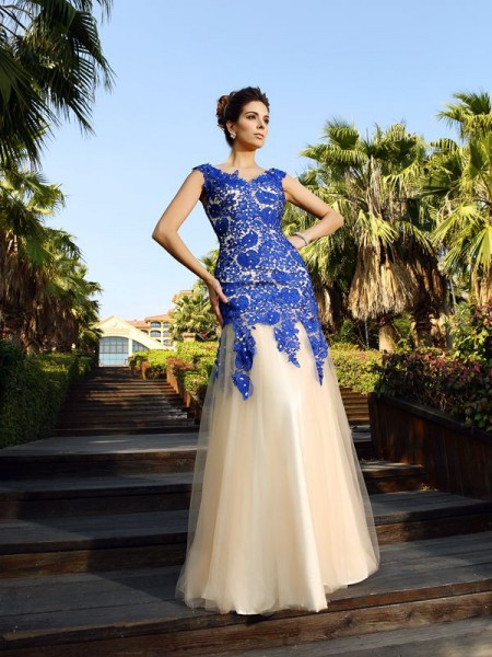 Sheath/Column Champagne Net Floor-Length Dresses with Applique