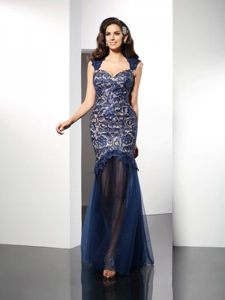Trumpet/Mermaid Dark Navy Net Sweep/Brush Train Dresses with Lace