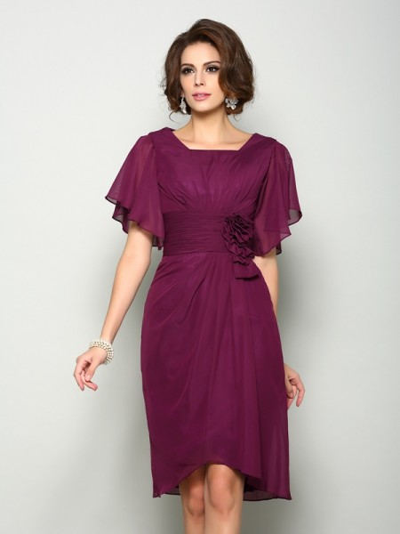 A-Line/Princess Burgundy Chiffon Knee-Length Mother Of The Bride Dresses with Hand-Made Flower