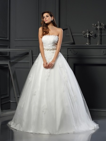 Ball Gown Ivory Net Court Train Wedding Dresses with Applique
