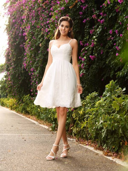 A-Line/Princess Ivory Lace Knee-Length Wedding Dresses with Applique