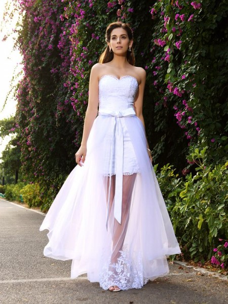Trumpet/Mermaid White Tulle Floor-Length Wedding Dresses with Applique