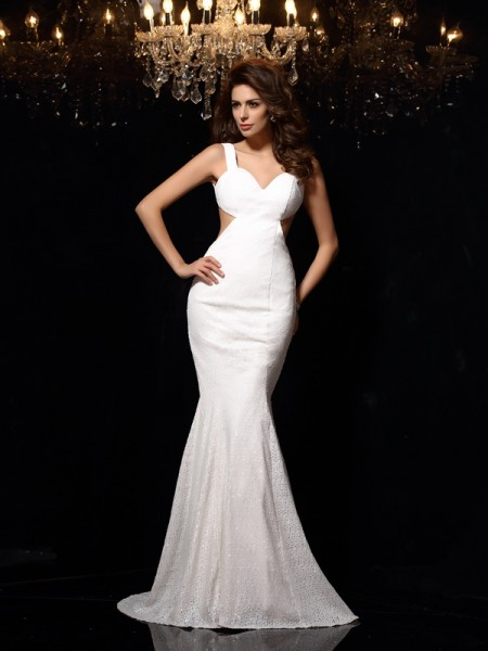 Trumpet/Mermaid Ivory Lace Court Train Dresses with Beading