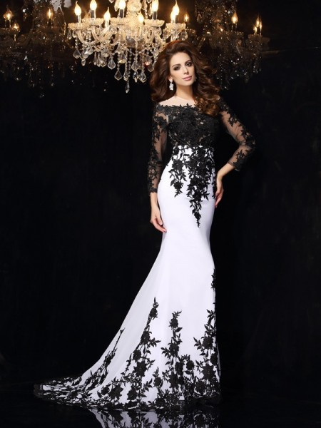 Sheath/Column White Chiffon Court Train Dresses with Lace