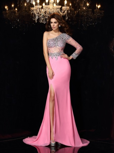 Sheath/Column Pink Chiffon Court Train Dresses with Beading