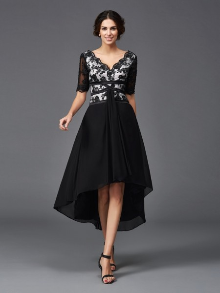 A-Line/Princess Black Chiffon Asymmetrical Homecoming Dresses with Lace