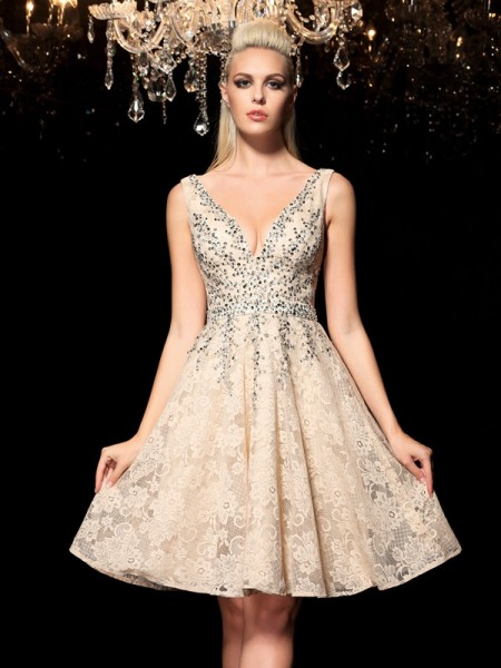 A-Line/Princess Champagne Lace Short/Mini Homecoming Dresses with Beading