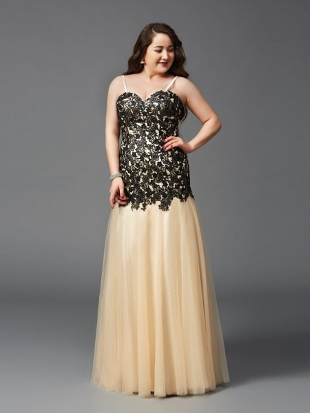 Sheath/Column Black Net Floor-Length Dresses with Applique