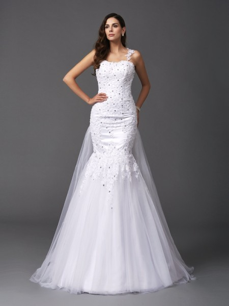 Trumpet/Mermaid White Net Sweep/Brush Train Wedding Dresses with Beading