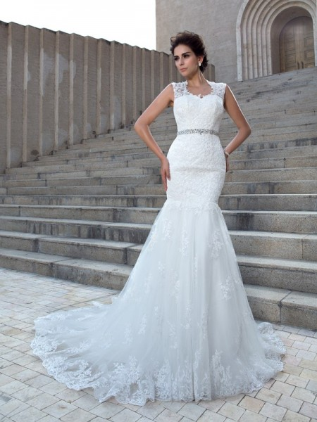 Trumpet/Mermaid Ivory Lace Chapel Train Wedding Dresses with Applique