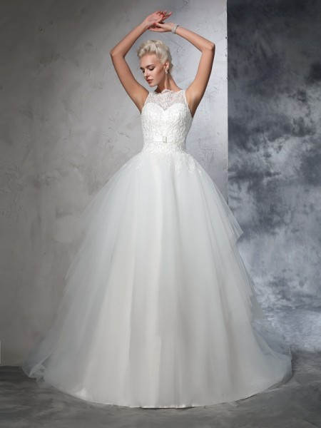 Ball Gown Ivory Net Chapel Train Wedding Dresses with Applique