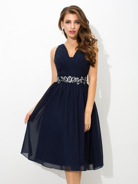 A-Line/Princess Dark Navy Chiffon Knee-Length Homecoming Dresses with Beading