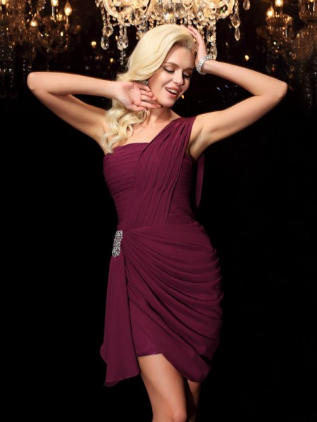 Sheath/Column Burgundy Chiffon Short/Mini Homecoming Dresses with Beading
