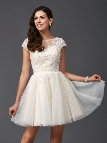 A-Line/Princess White Net Short/Mini Homecoming Dresses with Applique