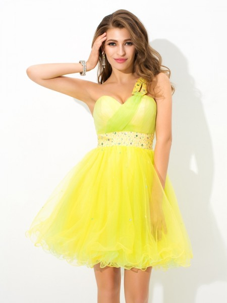 A-Line/Princess Yellow Net Short/Mini Homecoming Dresses with Beading