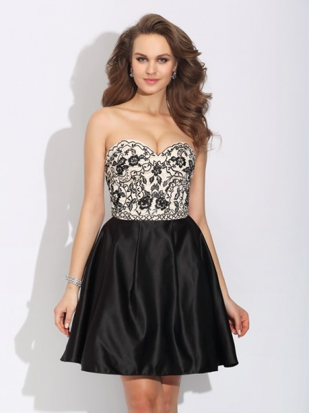 A-Line/Princess Black Satin Short/Mini Homecoming Dresses with Bowknot