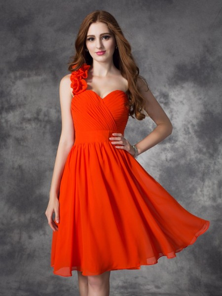A-Line/Princess Red Chiffon Short/Mini Homecoming Dresses with Hand-Made Flower