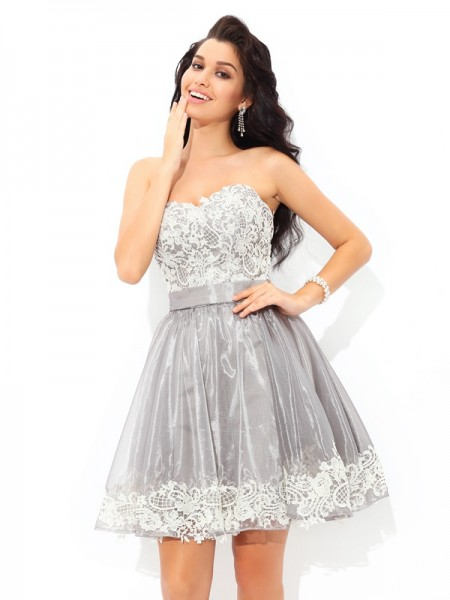 A-Line/Princess Grey Tulle Short/Mini Homecoming Dresses with Lace