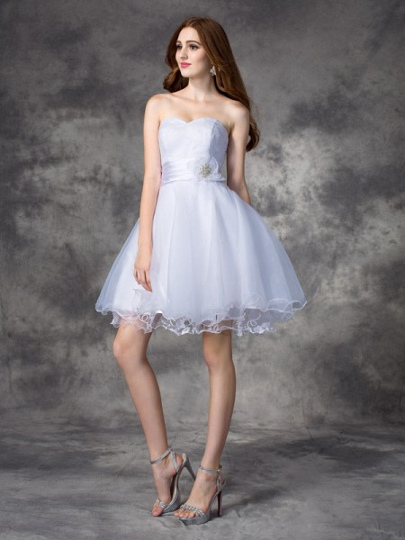 A-Line/Princess White Organza Short/Mini Homecoming Dresses with Ruffles