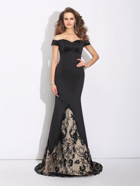 Trumpet/Mermaid Black Satin Sweep/Brush Train Evening Dresses with Lace