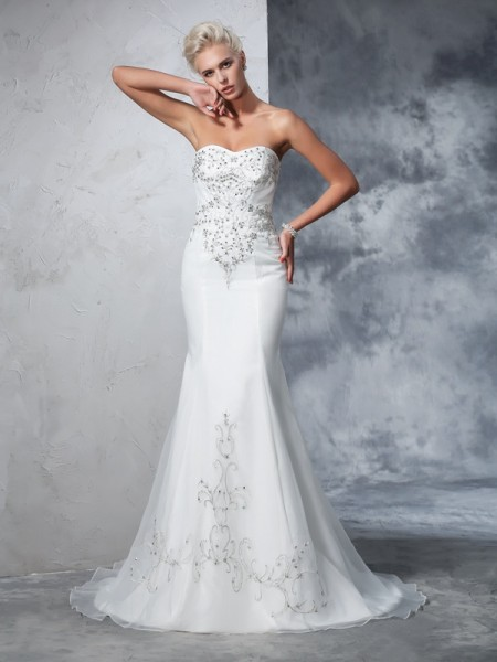 Trumpet/Mermaid Ivory Satin Court Train Wedding Dresses with Beading