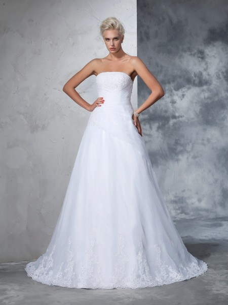 Ball Gown White Net Court Train Wedding Dresses with Applique