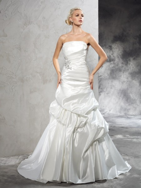 Sheath/Column Ivory Satin Court Train Wedding Dresses with Pleats