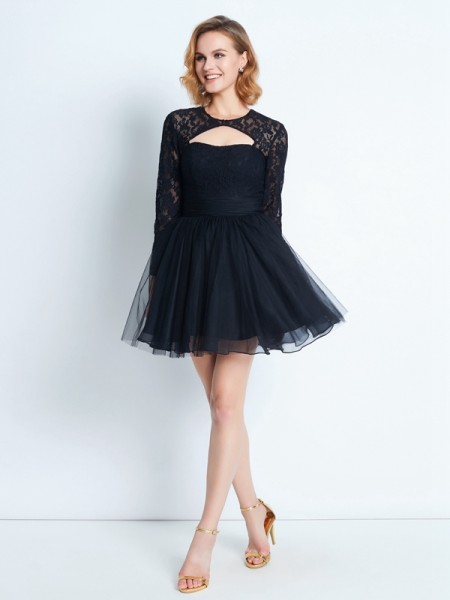 A-Line/Princess Black Net Short/Mini Homecoming Dresses with Lace