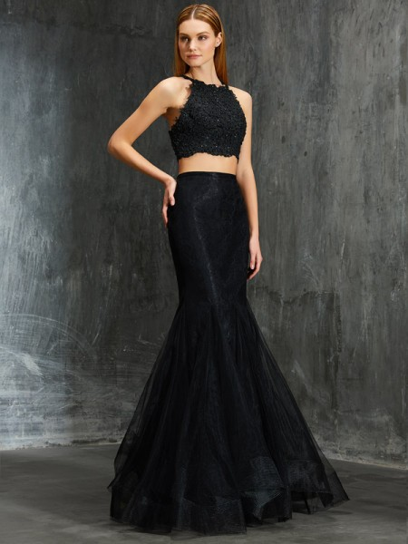 Trumpet/Mermaid Black Net Floor-Length Dresses with Applique