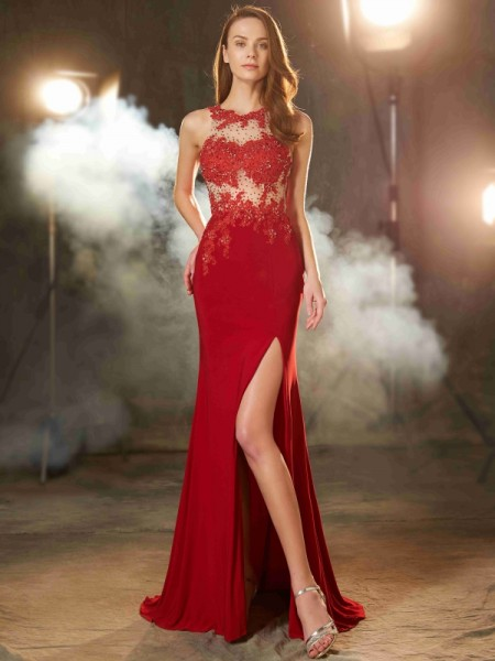 Sheath/Column Red Spandex Sweep/Brush Train Dresses with Applique
