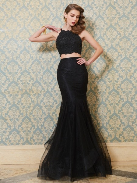 Trumpet/Mermaid Black Tulle Floor-Length Dresses with Applique