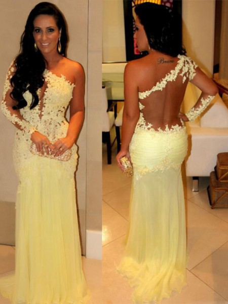 Sheath/Column Yellow Chiffon Sweep/Brush Train Dresses with Applique
