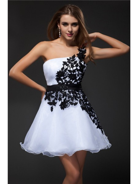 Empire White Organza Short/Mini Homecoming Dresses with Applique