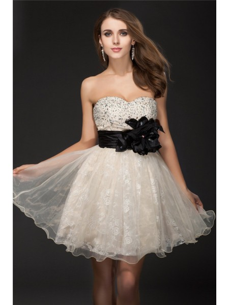 A-Line/Princess Ivory Organza Short/Mini Homecoming Dresses with Beading