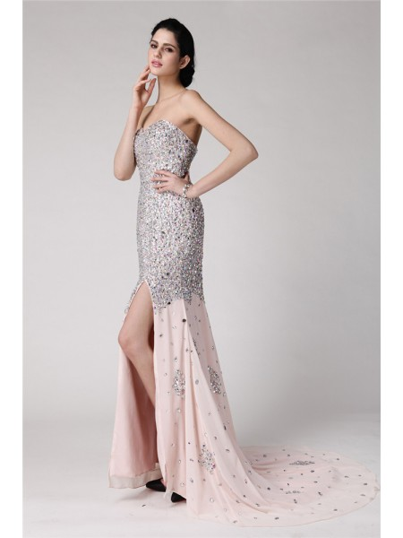 Trumpet/Mermaid Pearl Pink Chiffon Sweep/Brush Train Dresses with Beading
