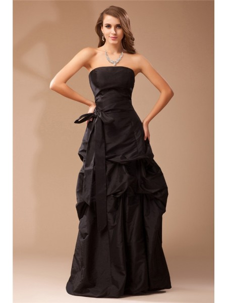 A-Line/Princess Black Taffeta Floor-Length Dresses with Ruffles