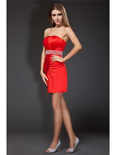 Sheath/Column Red Satin Short/Mini Homecoming Dresses with Beading