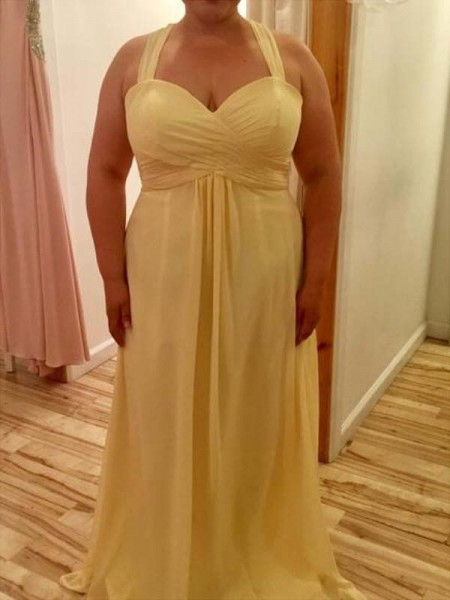 A-Line/Princess Halter Sleeveless Ruched Floor-Length Chiffon Plus Size Dresses