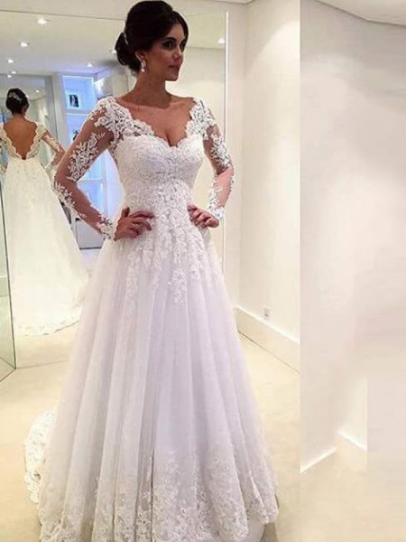 Ball Gown Ivory Tulle Court Train Wedding Dresses with Lace