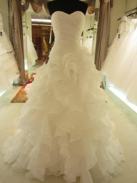 Ball Gown White Organza Court Train Wedding Dresses with Ruffles