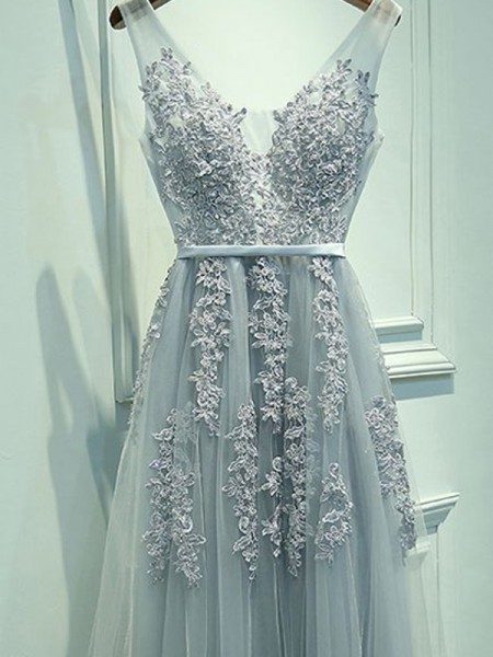 A-Line/Princess Light Sky Blue Tulle Floor-Length Dresses with Applique