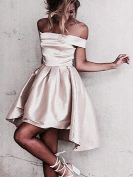 A-Line/Princess Champagne Satin Short/Mini Homecoming Dresses