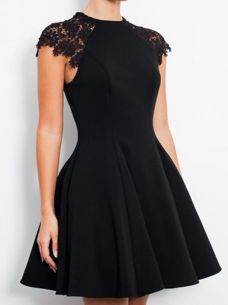 A-Line/Princess Black Jersey Short/Mini Homecoming Dresses with Lace