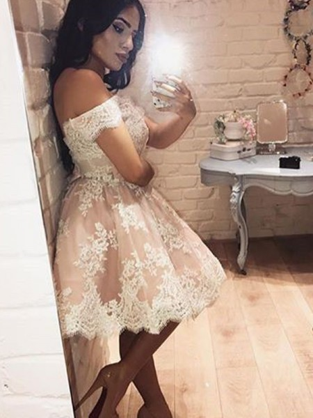 A-Line/Princess Champagne Lace Short/Mini Homecoming Dresses