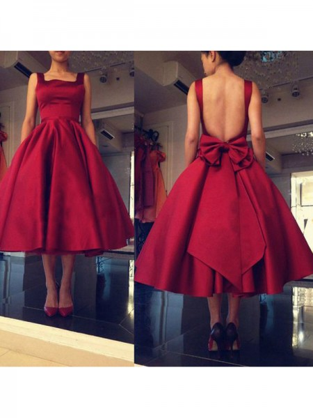 A-Line/Princess Red Satin Short/Mini Homecoming Dresses with Bowknot